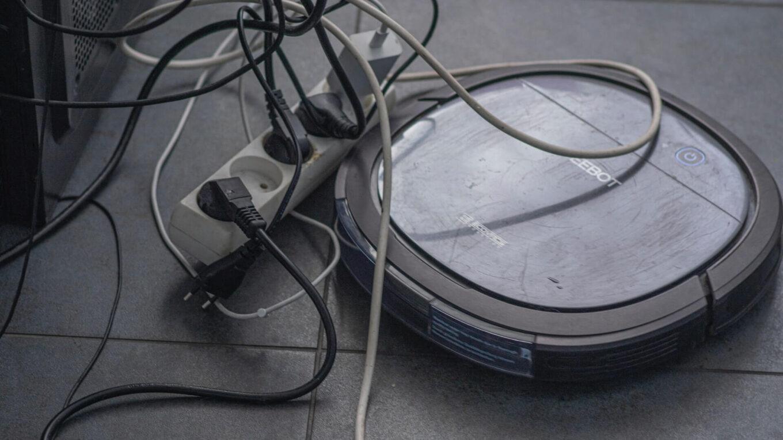 Od mopa do robota, czyli czym skutecznie myć podłogę